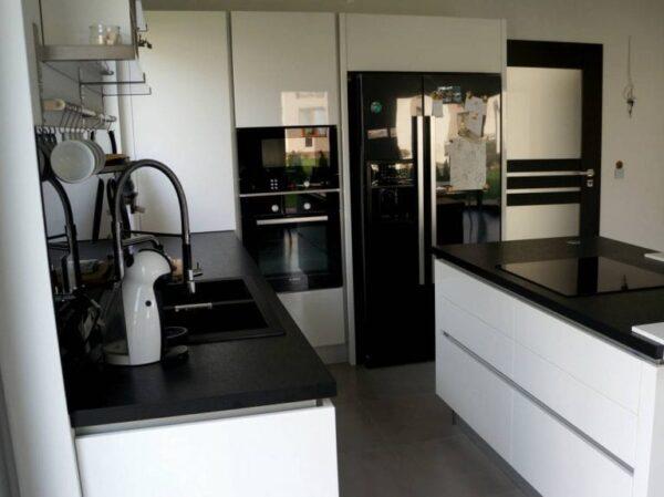 Кухня МДФ 14 — белый глянец